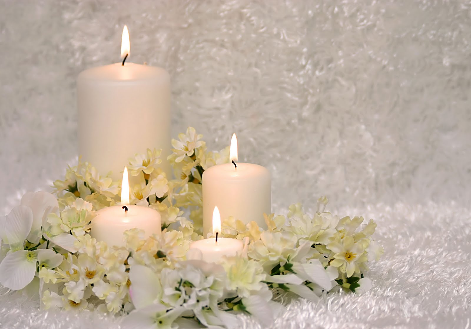 A White Candle Spell For New Love